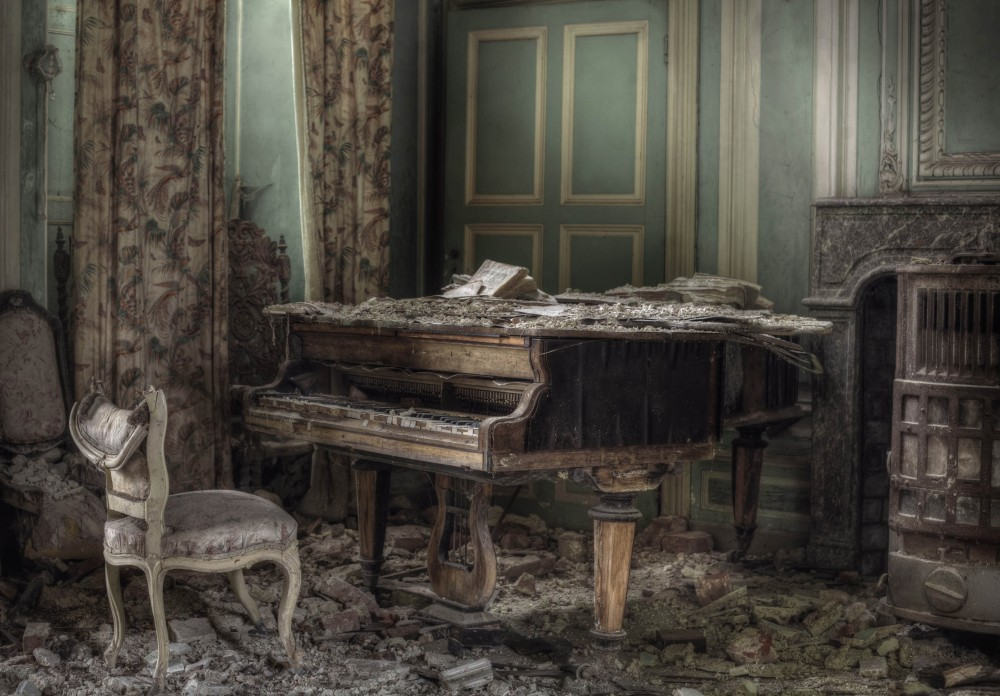 Abandoned Planet by Andre Govia, PhotographyBlogger.net