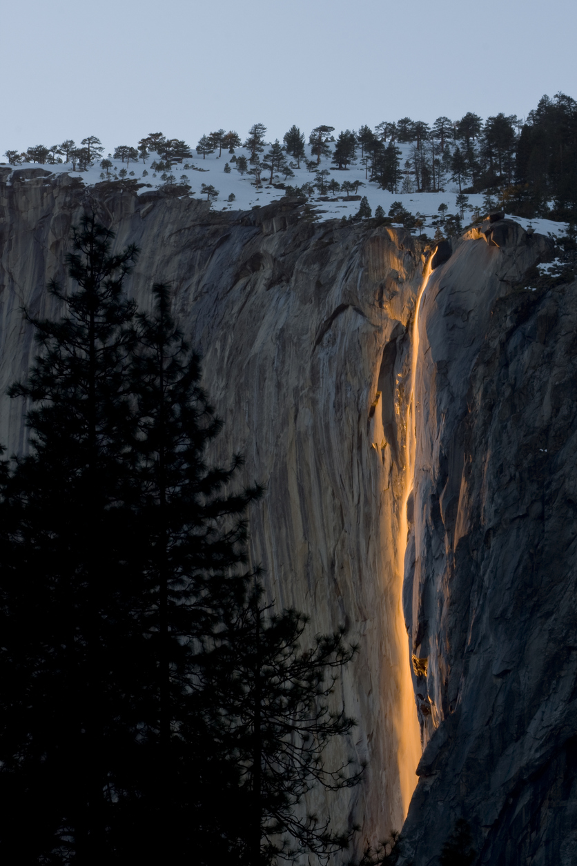 yosemite americas symbol of natural beauty One of america's first and most beloved national parks, yosemite is a study in beauty at its heart is the yosemite valley, a canyon of sharply defined granite walls, through which the mighty merced river flows and lush meadows lie.